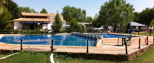 piscinas_del_camping_los_arenales_de_almagro_m1